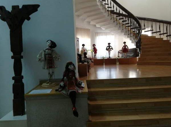 papusi elena orbocea muzeul de arta populara constanta