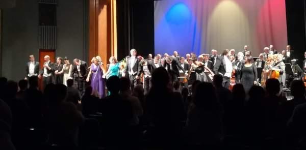 teatrul oleg danovski concert de muzica romaneasca