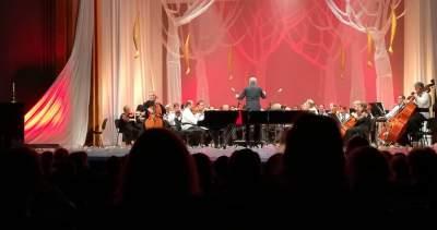 centenarul marii uniri un centenar de muzica romaneasca teatrul oleg danovski marin cazacu