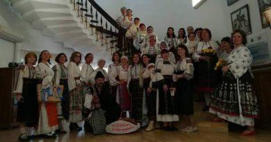 parada costume populare muzeul de arta populara constanta