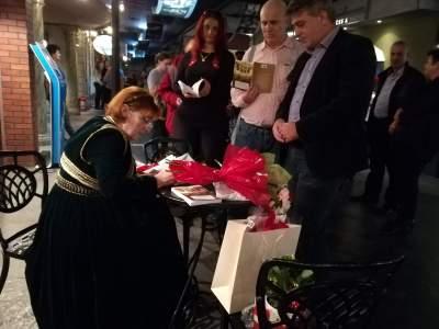 steliana bajdechi lansare carte timpul regasirii fiii avdellei autografe