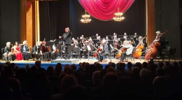 concert de anul nou teatrul oleg danovski florin totan