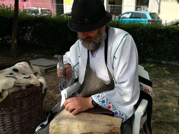 targul mesterilor populari din Dobrogea muzeul de arta constanta mihai antoneag