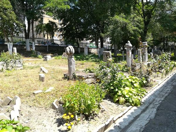 cimitirul musulman esmahan sultan mangalia