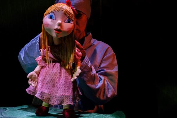 degetica teatrul pentru copii si tineret calutul de mare constanta