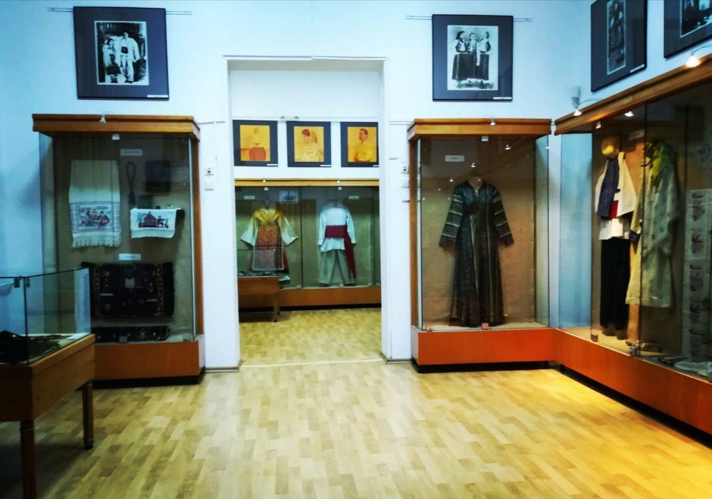 dobrogea multiculturalitate etnica - muzeul de arta populara constanta