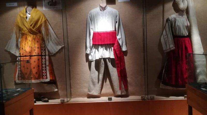 dobrogea multiculturalitate etnica - romani dobrogeni si bulgari muzeul de arta populara constanta