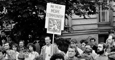 revolutia de catifea foto Fotografie de Dana Kyndrova