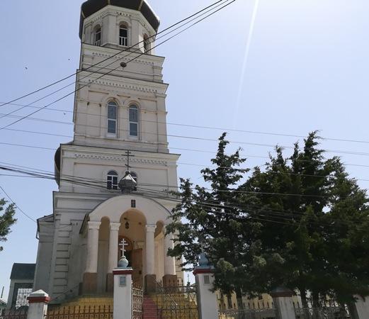 biserica-mare-cu-hramul-inaltarea-domnului ghindaresti