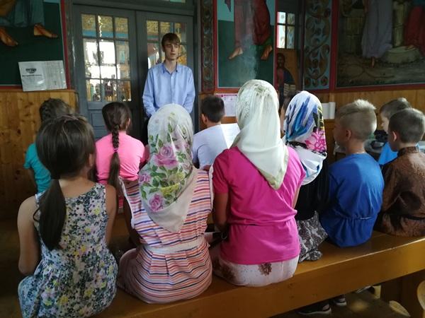 copii-la-scoala-de-vara-de-la-biserica